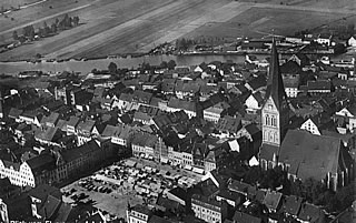 Town square with St. Nicholas church 1940