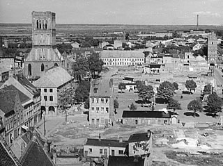 Town square with St. Nicholas church about 1949